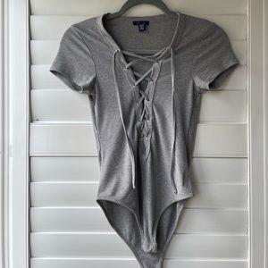 🌺 3 for $10 URBAN PLANET tie up bodysuit